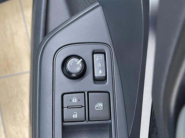 S フルセグ9型ナビ バックカメラ ETC スマートキー プッシュスタート クルーズコントロール ドライブレコーダー 純正アルミ ステアリングリモコン(32枚目)