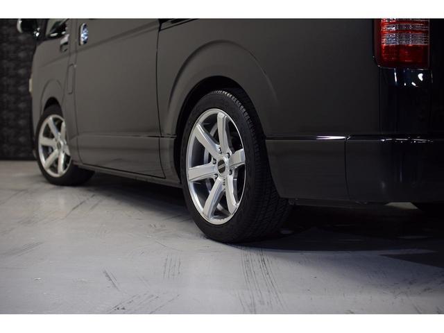 ロングスーパーGL ・CRSユーズドコンプリートカー入庫・ESSEX18インチAW・フロントリップスポイラー・純正OPナビ・アルパイン後席モニター・ESSEXシートカバー・LEDテールランプ・HIDヘッドライト(14枚目)