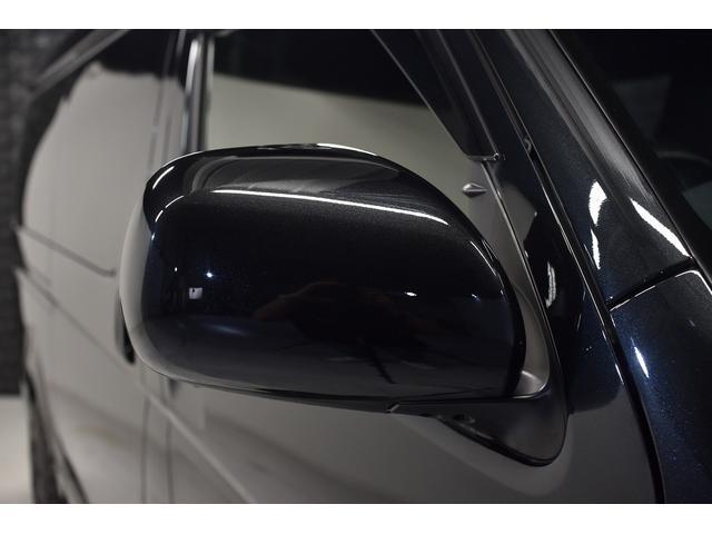 スーパーGL ダークプライム 自社ユーザー様買取・ワンオーナー・TRD16インチAW・3ナンバー乗用車登録・2インチリフトアップ・床フローリング・フェリソニン全面施工・マルチウェイベットキット・内装張り替え・スキッドバー・クルスロ(11枚目)