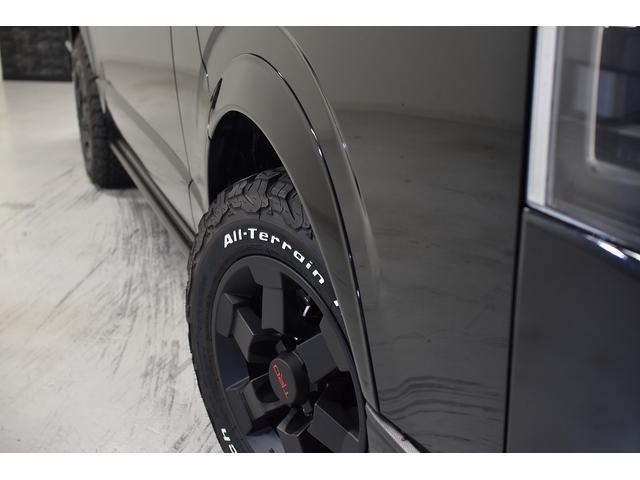 スーパーGL ダークプライム 自社ユーザー様買取・ワンオーナー・TRD16インチAW・3ナンバー乗用車登録・2インチリフトアップ・床フローリング・フェリソニン全面施工・マルチウェイベットキット・内装張り替え・スキッドバー・クルスロ(12枚目)