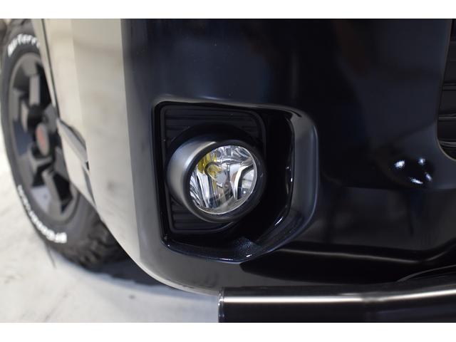 スーパーGL ダークプライム 自社ユーザー様買取・ワンオーナー・TRD16インチAW・3ナンバー乗用車登録・2インチリフトアップ・床フローリング・フェリソニン全面施工・マルチウェイベットキット・内装張り替え・スキッドバー・クルスロ(15枚目)