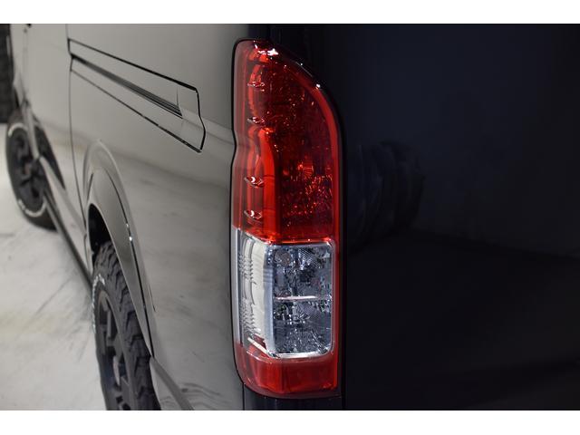 スーパーGL ダークプライム 自社ユーザー様買取・ワンオーナー・TRD16インチAW・3ナンバー乗用車登録・2インチリフトアップ・床フローリング・フェリソニン全面施工・マルチウェイベットキット・内装張り替え・スキッドバー・クルスロ(25枚目)