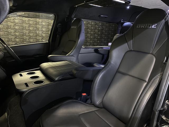 スーパーGL ダークプライム 自社ユーザー様買取・ワンオーナー・TRD16インチAW・3ナンバー乗用車登録・2インチリフトアップ・床フローリング・フェリソニン全面施工・マルチウェイベットキット・内装張り替え・スキッドバー・クルスロ(46枚目)