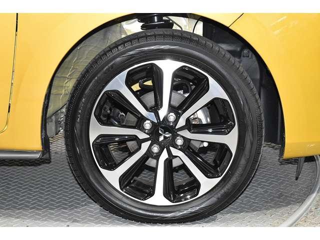 1.2G メモリーナビ 衝突被害軽減ブレーキ ETC 衝突軽減ブレーキ メモリーナビ スマートキー アイドリングストップ アルミホイール 横滑り防止装置 フルセグ ナビTV付き ABS LED(19枚目)