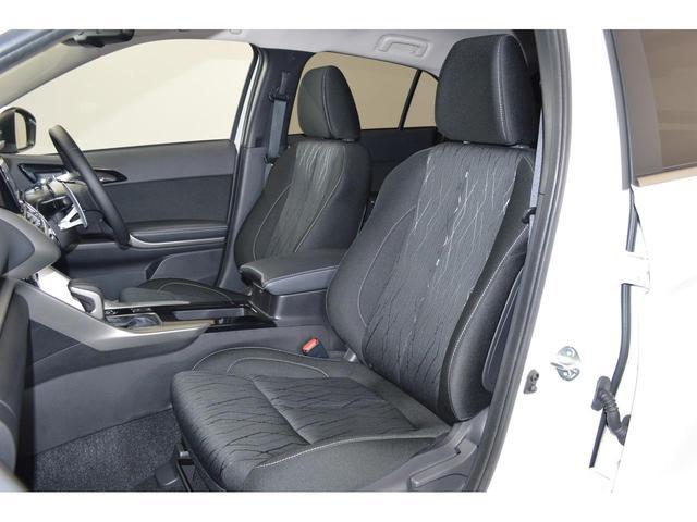 ゆったり包み込むようなフロントシート!長距離運転の疲労も軽減してくれます!