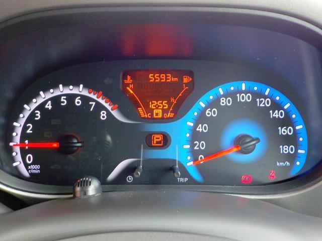 瞬間燃費、平均燃費などを表示し、エコドライブをサポートするファインビジョンメーターを採用しました。さらに、エコな走りを支援する「ECOモード」機能を全車に搭載しました。