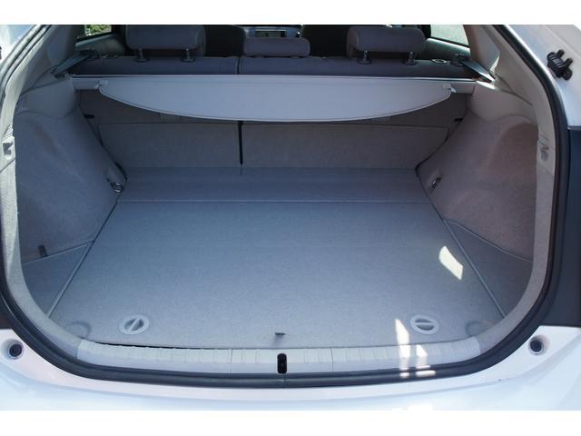 社外アルミホイル装着・トランクには荷物を隠せるトノカバー付