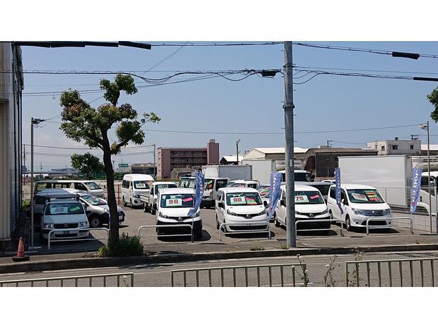 第3展示場☆こちらには普通車の積載300kg〜2tまでの商用車(バン・トラック)までを展示しております。商用車をお探しの時まずはジョブカーズ(働く車)にお越し下さいませ。