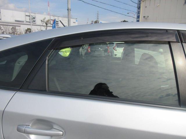 「トヨタ」「プリウス」「セダン」「大阪府」の中古車43
