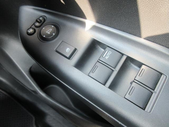 13G・F メモリーナビ CD DVD バックカメラ ETC インテリキー ABS ESC 衝突被害軽減ブレーキ レーンアシスト クルーズコントロール(20枚目)