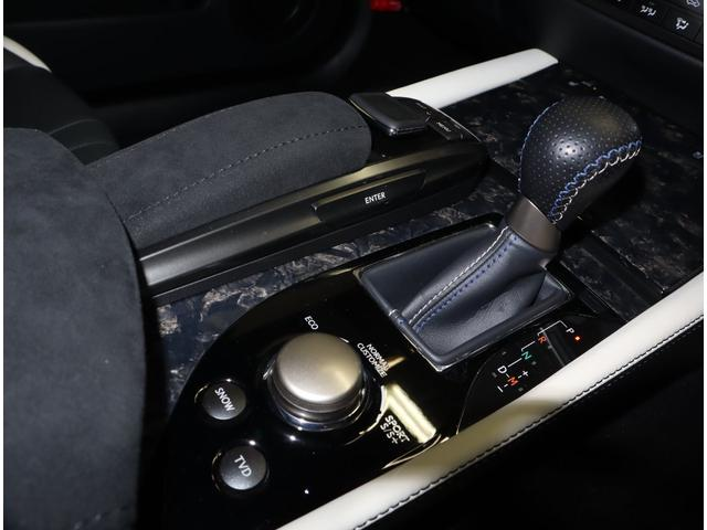 ベースグレード プリクラッシュセーフティシステム ムーンルーフ ヘッドアップディスプレイ ブラインドスポットモニター シートヒーターベンチレーション パワーバックドア(10枚目)