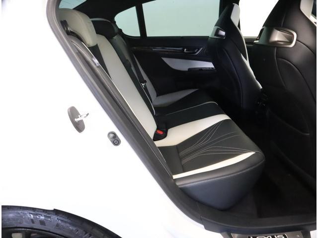 ベースグレード プリクラッシュセーフティシステム ムーンルーフ ヘッドアップディスプレイ ブラインドスポットモニター シートヒーターベンチレーション パワーバックドア(19枚目)