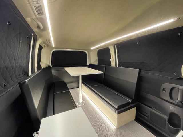 キャンピングカー トランポ 新品架装 車中泊 8ナンバー キャンパー ベッドキット サブバッテリー 走行充電器 USB/DC電源 バンコン 事務室 移動販売車(3枚目)