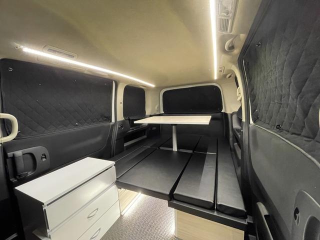 キャンピングカー トランポ 新品架装 車中泊 8ナンバー キャンパー ベッドキット サブバッテリー 走行充電器 USB/DC電源 バンコン 事務室 移動販売車(6枚目)