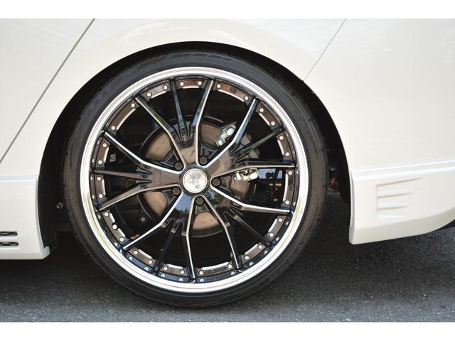 A ZEUS新車カスタムコンプリートカー!エアロ(3点)・Rウィング・グリル・車高調・19インチ・マフラー・LEDアクセサリー・アルパインナビ・ETC・カメラ。LEDフォグ・ナビレディー・ムーンルーフ付。(11枚目)