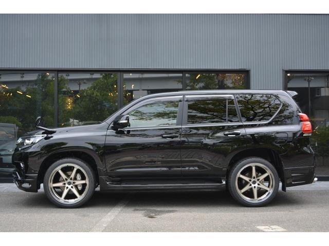 TX Lパッケージ ディーゼル7人乗 ZEUS新車カスタムコンプリートカー!エアロ(F/S/R)・ダウンサス・22インチAW・アルパインナビ・ETCバックカメラ。クリアランスソナー付。(4枚目)