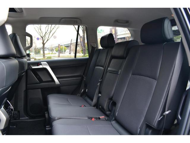 TX Lパッケージ ディーゼル7人乗 ZEUS新車カスタムコンプリートカー!エアロ(F/S/R)・ダウンサス・22インチAW・アルパインナビ・ETCバックカメラ。クリアランスソナー付。(20枚目)