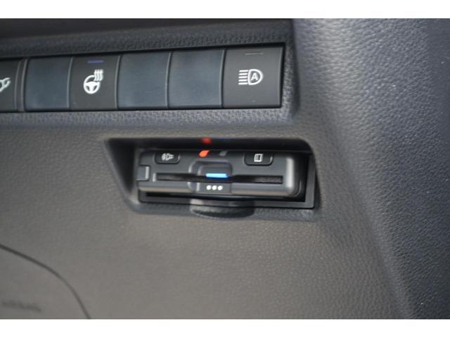 X ZEUS新車カスタムコンプリートカー!エアロ(F/S/R)・フロントグリル・4本出マフラー・車高調・22インチAW・アルパイン9型ナビ・ETC。バックカメラ+BSM付。(26枚目)