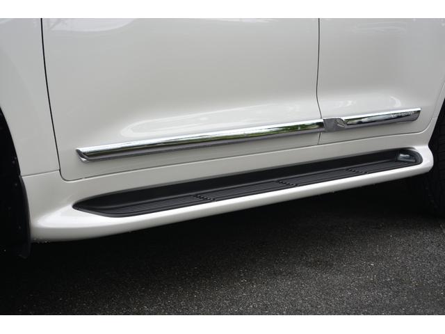 ZX ZEUS新車カスタムコンプリートカー!エアロ(F/R)・4灯フォグ・22インチAW。T-Connectナビ・ETC2.0・全方位カメラ・パワーバックドア・リアエンタテイメントシステム付。(5枚目)