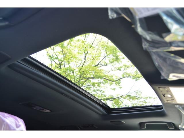ZX ZEUS新車カスタムコンプリートカー!エアロ(F/R)・4灯フォグ・22インチAW。T-Connectナビ・ETC2.0・全方位カメラ・パワーバックドア・リアエンタテイメントシステム付。(13枚目)