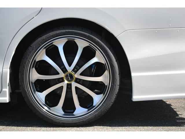 Gi 8人乗 ZEUS新車カスタムコンプリートカー・エアロ・F/S/R・グリル・FT・リアウィング・車高調・19インチAW・マフラー・カロッツェリア楽ナビ・ETC・バックカメラ(11枚目)