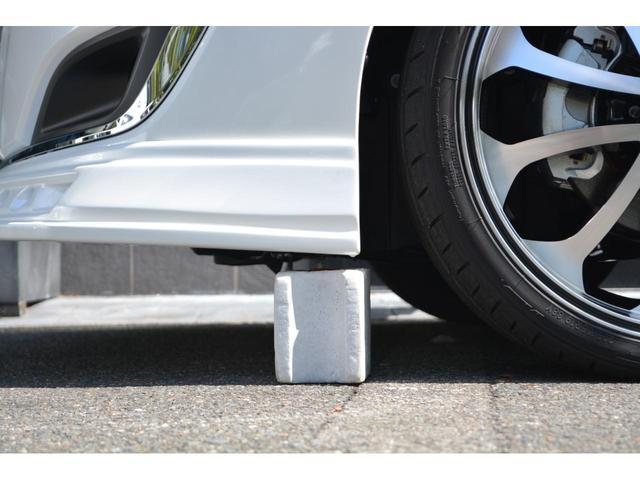 Gi 8人乗 ZEUS新車カスタムコンプリートカー・エアロ・F/S/R・グリル・FT・リアウィング・車高調・19インチAW・マフラー・カロッツェリア楽ナビ・ETC・バックカメラ(12枚目)
