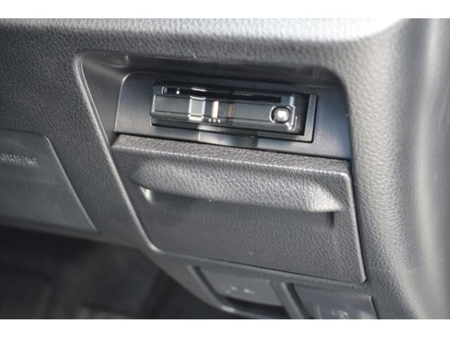 Gi 8人乗 ZEUS新車カスタムコンプリートカー・エアロ・F/S/R・グリル・FT・リアウィング・車高調・19インチAW・マフラー・カロッツェリア楽ナビ・ETC・バックカメラ(24枚目)