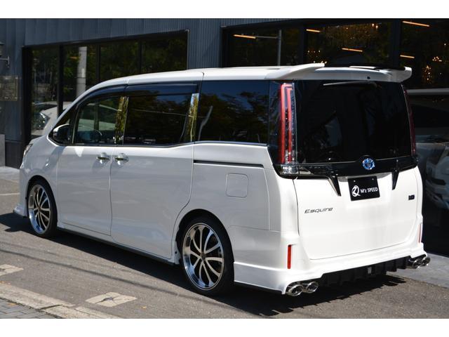 ハイブリッドGiプレミアムパッケジブラックテーラード 7人乗 ZEUS新車カスタムコンプリートカー・エアロ・F/S/R・グリル・FT・リアウィング・メッキピラー・車高調・19インチAW・マフラー・アルパイン11型ナビ・ETC・バックカメラ(3枚目)
