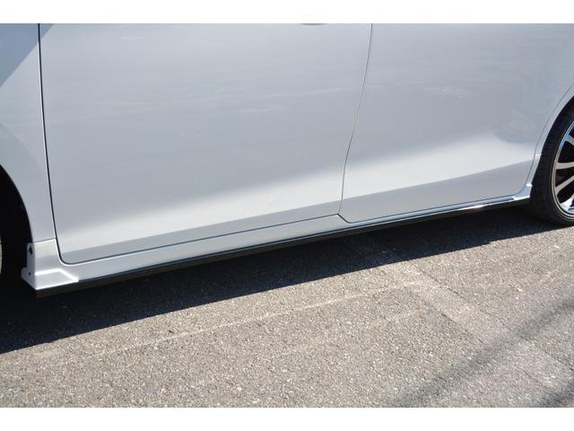 ハイブリッドGiプレミアムパッケジブラックテーラード 7人乗 ZEUS新車カスタムコンプリートカー・エアロ・F/S/R・グリル・FT・リアウィング・メッキピラー・車高調・19インチAW・マフラー・アルパイン11型ナビ・ETC・バックカメラ(5枚目)