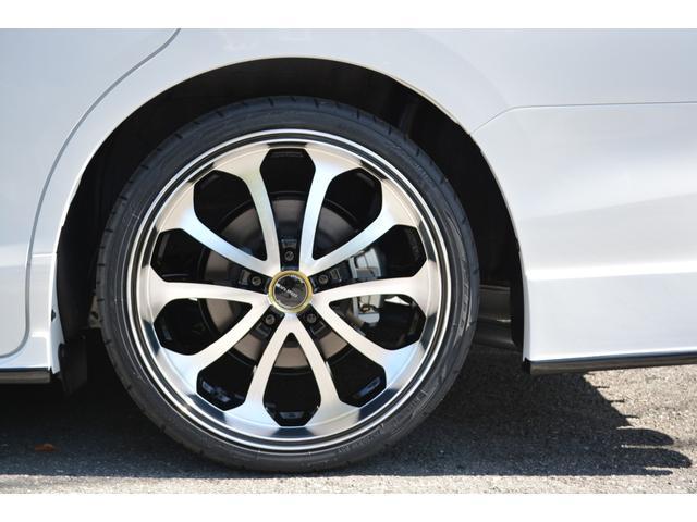 ハイブリッドGiプレミアムパッケジブラックテーラード 7人乗 ZEUS新車カスタムコンプリートカー・エアロ・F/S/R・グリル・FT・リアウィング・メッキピラー・車高調・19インチAW・マフラー・アルパイン11型ナビ・ETC・バックカメラ(8枚目)