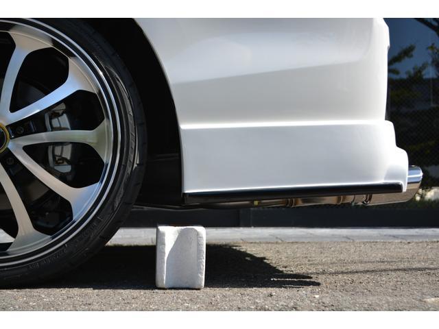 ハイブリッドGiプレミアムパッケジブラックテーラード 7人乗 ZEUS新車カスタムコンプリートカー・エアロ・F/S/R・グリル・FT・リアウィング・メッキピラー・車高調・19インチAW・マフラー・アルパイン11型ナビ・ETC・バックカメラ(10枚目)