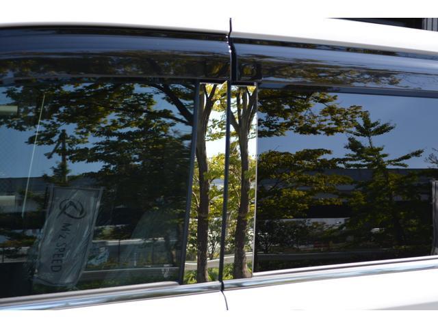 ハイブリッドGiプレミアムパッケジブラックテーラード 7人乗 ZEUS新車カスタムコンプリートカー・エアロ・F/S/R・グリル・FT・リアウィング・メッキピラー・車高調・19インチAW・マフラー・アルパイン11型ナビ・ETC・バックカメラ(19枚目)