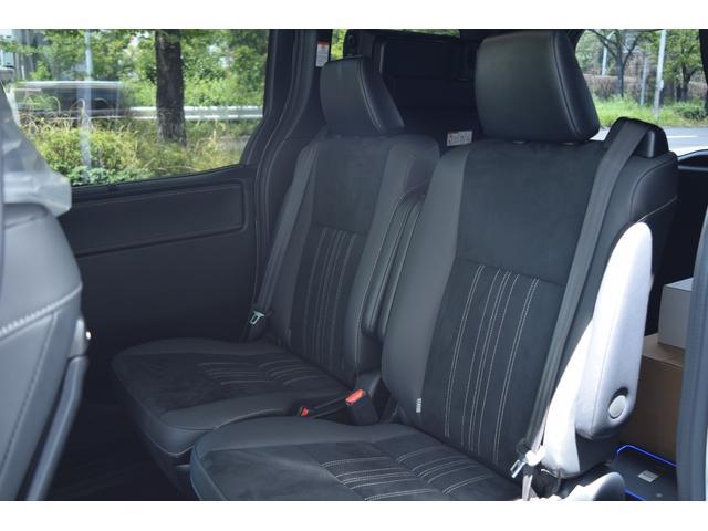 ハイブリッドGiプレミアムパッケジブラックテーラード 7人乗 ZEUS新車カスタムコンプリートカー・エアロ・F/S/R・グリル・FT・リアウィング・メッキピラー・車高調・19インチAW・マフラー・アルパイン11型ナビ・ETC・バックカメラ(21枚目)