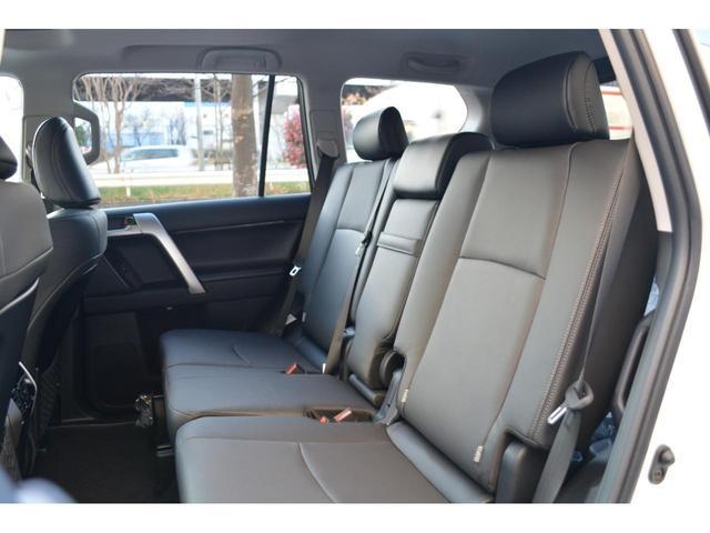 TX Lパッケージ ZEUS新車カスタムコンプリートカー・エアロ2点・JAOSサイドステップ・ドアミラーカバー・20AW・マフラー・KADDISラック・アルパインナビ・ETC・Bカメラ・ムーンルーフ・クリアランスソナー(20枚目)