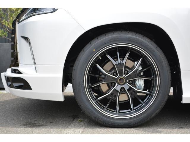 LX570 ZEUS新車カスタムコンプリートカー・エアロ3点・4灯フォグ・22インチアルミ・4本出マフラー・マークレビンソン・リアエンターテイメントシステム・置くだけ充電(8枚目)