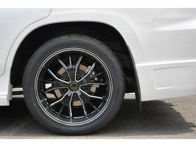 LX570 ZEUS新車カスタムコンプリートカー・エアロ3点・4灯フォグ・22インチアルミ・4本出マフラー・マークレビンソン・リアエンターテイメントシステム・置くだけ充電(9枚目)