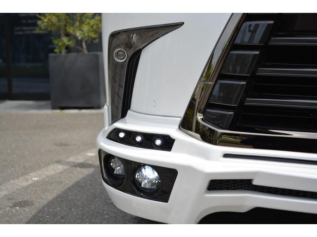 LX570 ZEUS新車カスタムコンプリートカー・エアロ3点・4灯フォグ・22インチアルミ・4本出マフラー・マークレビンソン・リアエンターテイメントシステム・置くだけ充電(12枚目)