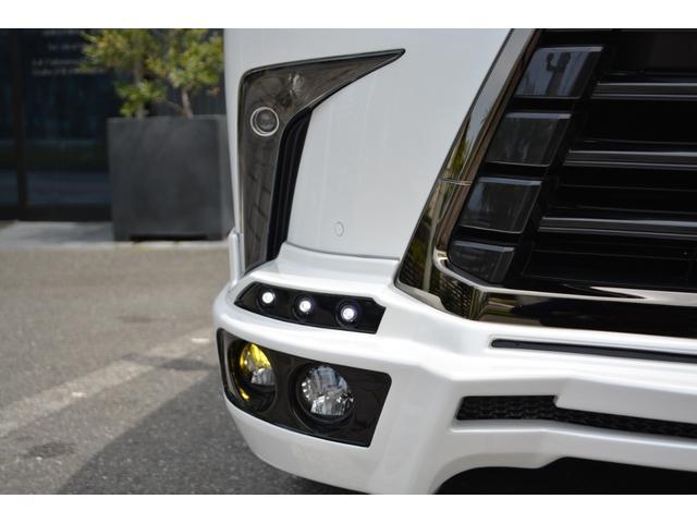 LX570 ZEUS新車カスタムコンプリートカー・エアロ3点・4灯フォグ・22インチアルミ・4本出マフラー・マークレビンソン・リアエンターテイメントシステム・置くだけ充電(13枚目)
