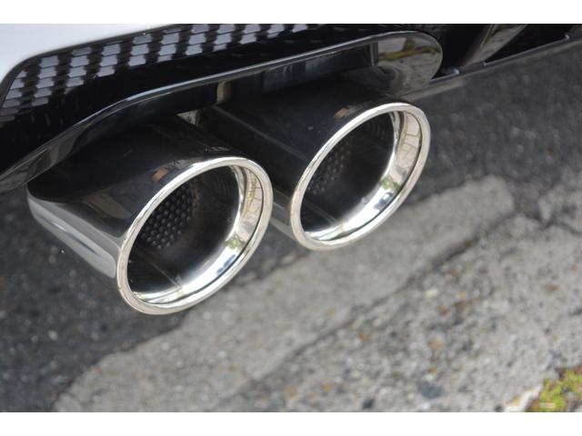 LX570 ZEUS新車カスタムコンプリートカー・エアロ3点・4灯フォグ・22インチアルミ・4本出マフラー・マークレビンソン・リアエンターテイメントシステム・置くだけ充電(15枚目)