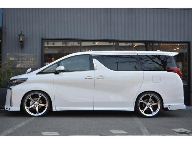 2.5S Cパッケージ ZEUS新車カスタムコンプリートカー・エアロ3点・車高調・22インチ・マフラー・9型ディスプレイ・T-Connectナビキット・ETC2.0・ツインムーンルーフ・デジタルインナーミラー(4枚目)