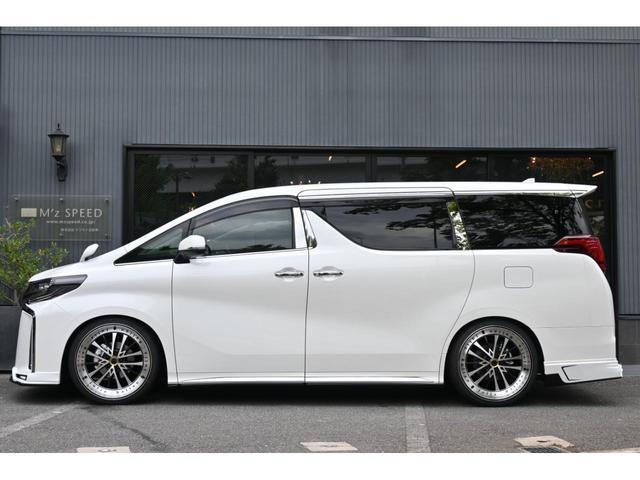 S タイプゴールドII ZEUS新車カスタムコンプリートカー・エアロ3点・車高調・22インチ・グリル・FT・ピラー・マフラー・LEDバックフォグ・9型ディスプレイ・T-Connectナビキット・ETC2.0・ムーンルーフ(4枚目)