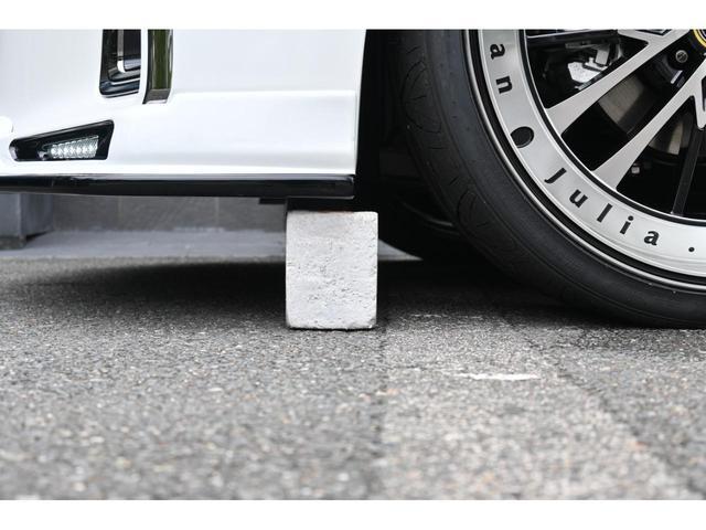 S タイプゴールドII ZEUS新車カスタムコンプリートカー・エアロ3点・車高調・22インチ・グリル・FT・ピラー・マフラー・LEDバックフォグ・9型ディスプレイ・T-Connectナビキット・ETC2.0・ムーンルーフ(11枚目)