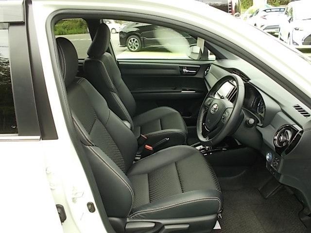 厚みがあって、座り心地が良くホールド性のいいシート♪♪運転席も助手席も、リラックスしてゆったりと座れます。