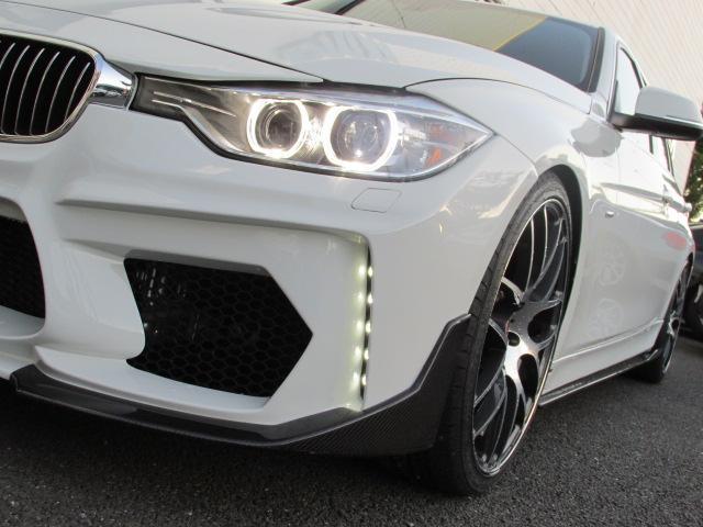 BMW BMW 320iラグジュアリーBEAMコンプリート黒革タッチパッド