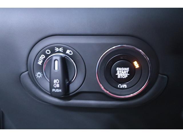「マセラティ」「マセラティ レヴァンテ」「SUV・クロカン」「大阪府」の中古車23