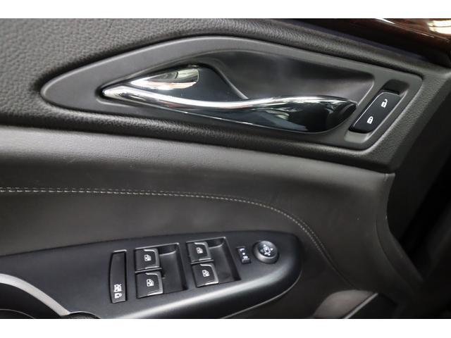 「キャデラック」「キャデラック SRXクロスオーバー」「SUV・クロカン」「大阪府」の中古車28