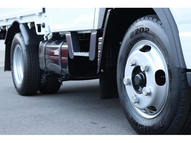 Wキャブ全低床 リアヒーター/衝突軽減ブレーキ/車両安定制御装置/左電格ミラー/Rダブルタイヤ/アドブル使用車/純正デッキ/AUX/ワンオーナー(7枚目)