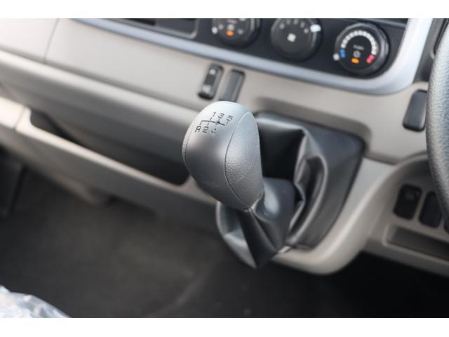 Wキャブ全低床 リアヒーター/衝突軽減ブレーキ/車両安定制御装置/左電格ミラー/Rダブルタイヤ/アドブル使用車/純正デッキ/AUX/ワンオーナー(10枚目)
