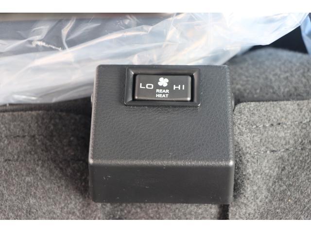 Wキャブ全低床 リアヒーター/衝突軽減ブレーキ/車両安定制御装置/左電格ミラー/Rダブルタイヤ/アドブル使用車/純正デッキ/AUX/ワンオーナー(19枚目)
