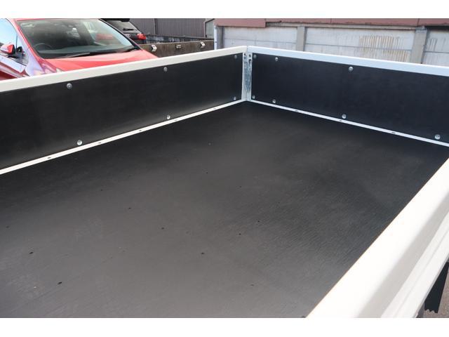 Wキャブ全低床 リアヒーター/衝突軽減ブレーキ/車両安定制御装置/左電格ミラー/Rダブルタイヤ/アドブル使用車/純正デッキ/AUX/ワンオーナー(24枚目)